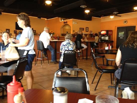 Dixie Belles Cafe: Late Breakfast