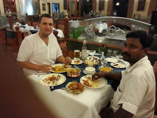 Hotel Sandesh The Prince: Amazing evening meal