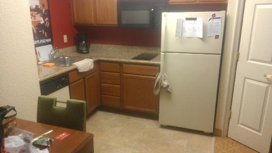 Residence Inn Washington, Dc/Dupont Circle : Full kitchen