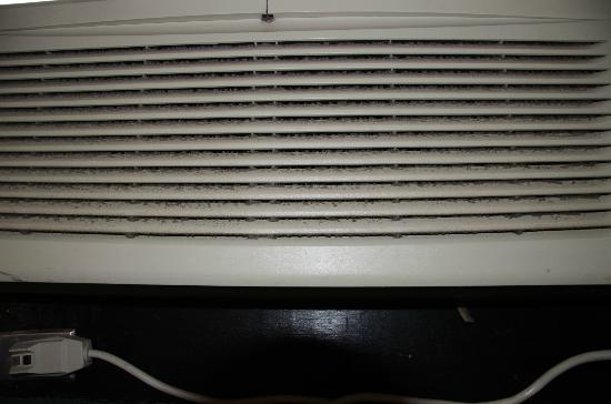 The Breakers Resort Inn: Ac unit ! Really ?