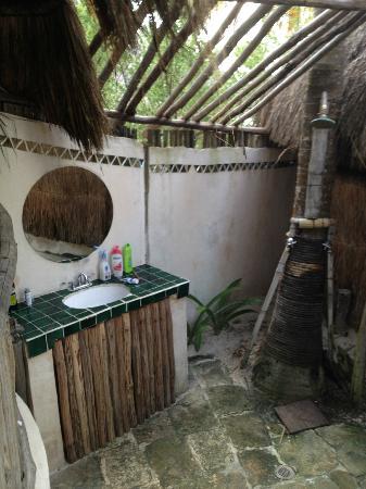 Uno Astro Lodge: Simpatico bagno