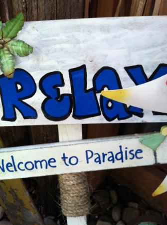 Tiki's: relax- order something - browse - kick back & talk to Gypsy
