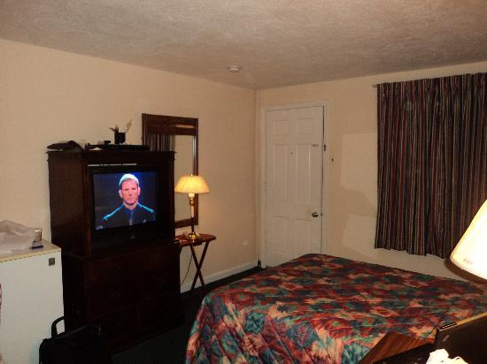 Sentinel Motel: View 2