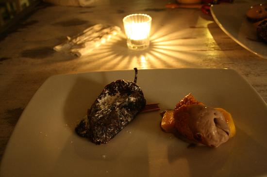 Holbox Hotel Casa las Tortugas - Petit Beach Hotel & Spa: Mexican dinner dessert - chocolate chili!