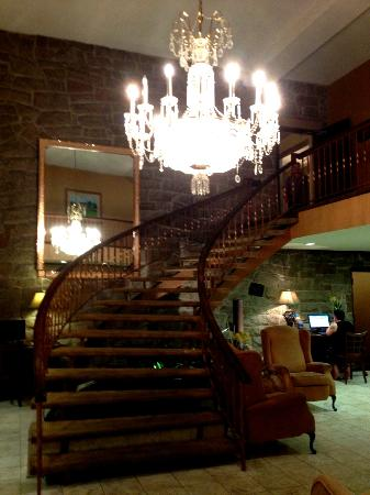 Hotel Universel Quebec: Stairway to 3rd flood (lobby is on 2nd)