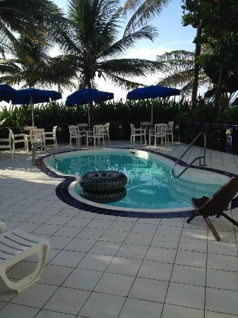 Blue Tang Inn: Pool
