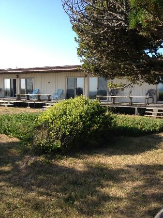 Crescent Beach Motel: Back of the hotel