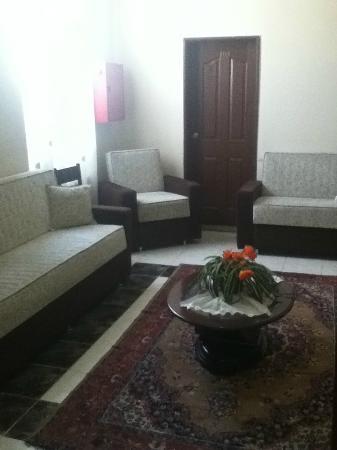 Vatan Hotel: little lounge area outside our room