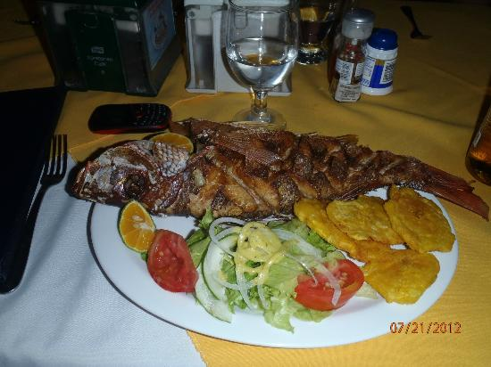 Marisqueria Milanes Seafood Restaurant: Red Snapper with Garlic Seasoning- yummy