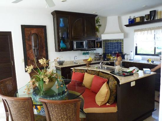 Royal Palms Condominiums: Kitchen and dining area