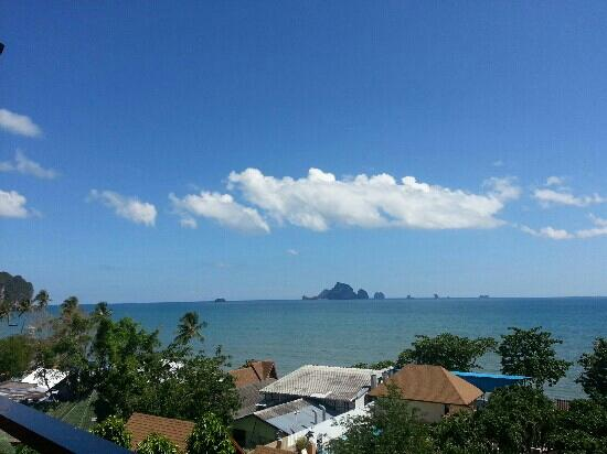 Beach Terrace Hotel Krabi: the view from 5th floor, room with sea view