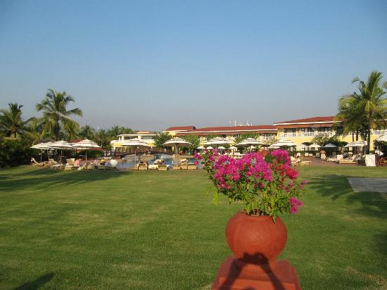 The LaLiT Golf & Spa Resort Goa: View of hotel from golf course