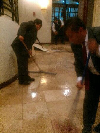 Mercure Casa Veranda Guatemala: Hotel inundaciones