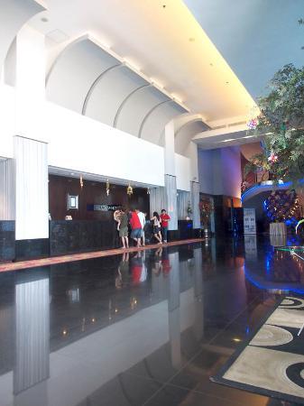 Manhattan Hotel: Lobby
