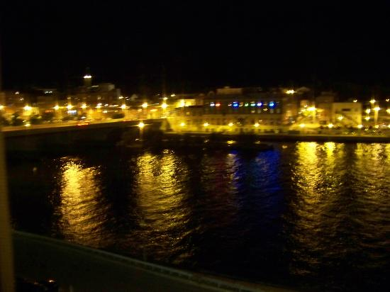 Quality Inn & Suites Riverfront: night view out the window