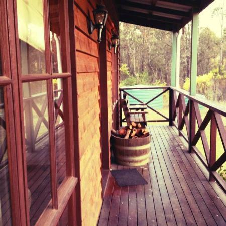 مانزانيلا ريدج: side of cabin terrace 