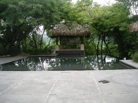 AHKi B&B Retreat: Pool Side