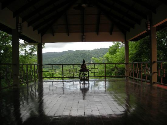 AHKi B&B Retreat: Yoga Studio