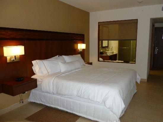 The Westin Playa Bonita Panama: VERY comfortable King-sized bed; bath with rainfall shower and tub