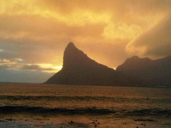 Tintswalo Atlantic: sunset over the Sentinel