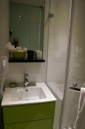 CityInn Hotel Plus - Taichung Station Branch: Bathroom