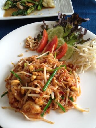 Rock Fish: pad Thai