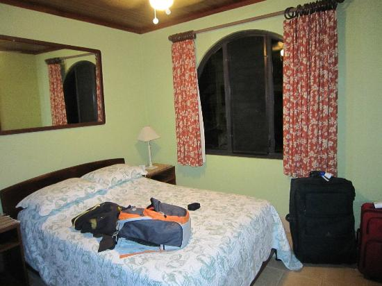 Alegria Bed and Breakfast: BEDROOM