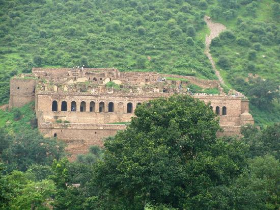 Alwar, India: Bhangarh Palace Ruins