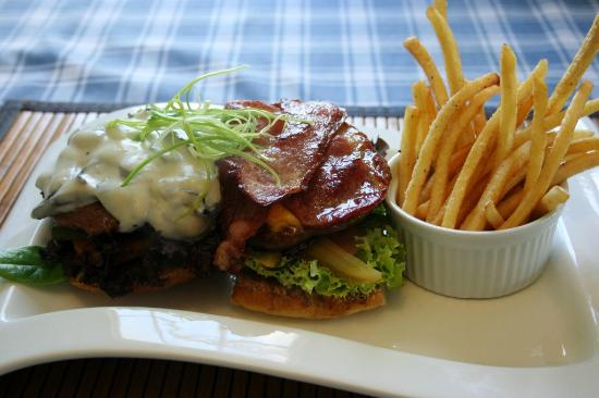 Grand Cafe Robertson: Double Beef Burger