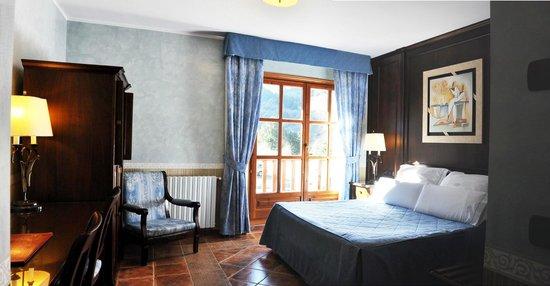 Hotel Os de Civis