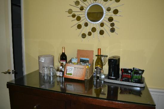 Wine Valley Inn & Cottages : Mini Bar
