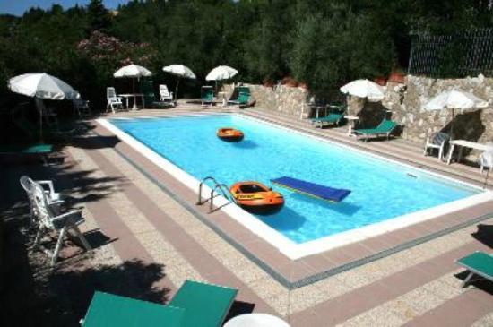 Hotel Villa Paradiso: Piscina