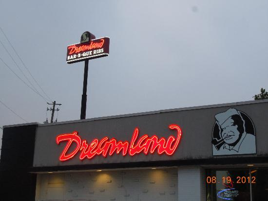 Dreamland Bar-b-que: Sign can be seen from nearby I-65