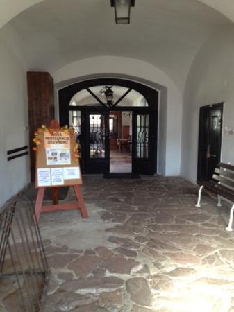 Motorest Zlata Studna : Entry hall