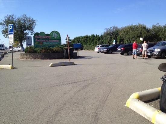 Motorest Zlata Studna : Parking