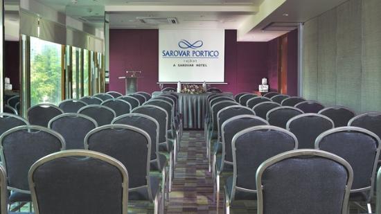 Hotel Sarovar Portico Rajkot: Banquet
