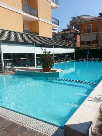 Hotel Imperial: Piscina