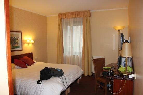 Citadines Toison d'Or Hotel: double room