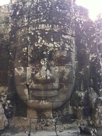 Cambodia Angkor Wat Day Tours: Bayon avec Thy et Cambodia Angkor Wat Private Tour