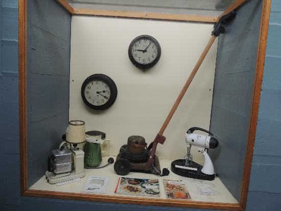 Waddamana Power Station Museum: Display of electrical applicances