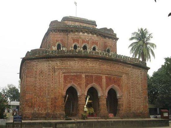 Kantajew Temple: The exterior of Kantajew