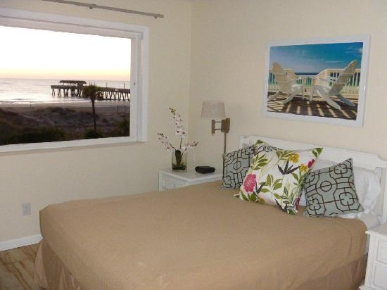 Tybrisa at the Beach: Master Bedroom