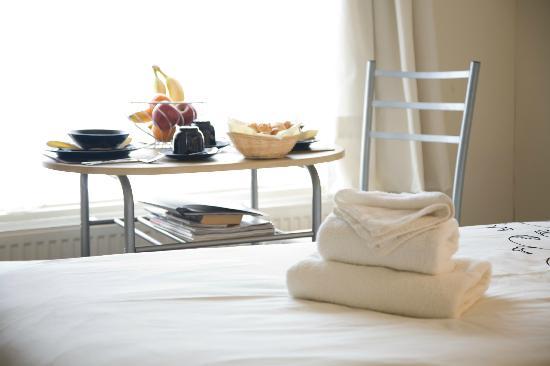 Beverley Guesthouse: Room 10 - Double En-Suite with Shower (Ground floor)