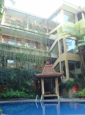 Sukajadi Hotel: the hotel, taken from the pool