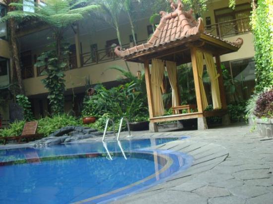 Sukajadi Hotel: the gazebo