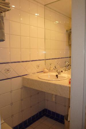 Hotel Imperial: 8. bagno (camera n. 11 - 1° piano)