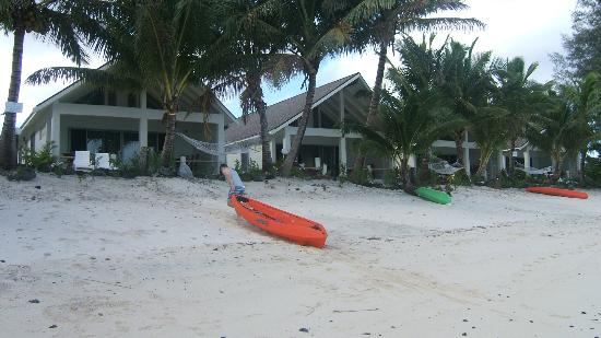 Cooks Bay Villas: Going kyaking