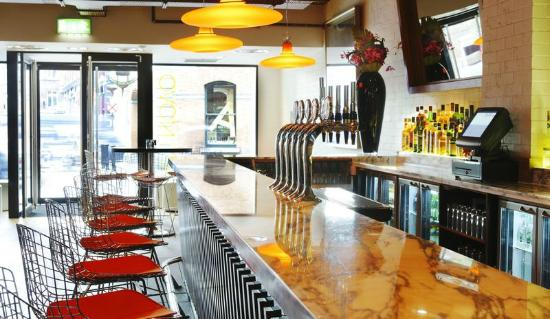 Cafe Novo: Bar at Café Novo