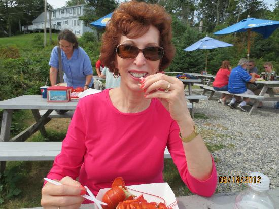 Pemaquid Fisherman's Co-Op: a happy diner