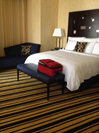 Marriott Marquis City Center Doha Hotel: spacious room